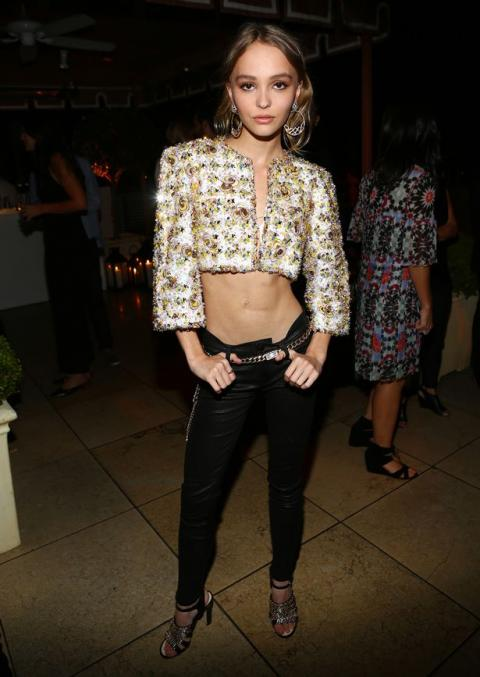 Johnny Depp's daughter Lily-Rose looks ab-fab as she flaunts her tummy in cropped jacket - Mirror Online